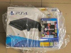 PS4 slim + FIFA 21