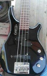Guitare base 4 cordes
