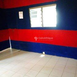 Location bureau  2 pièces - Adidogome Douane
