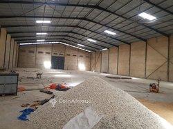 Location entrepôt  2000 m2 -