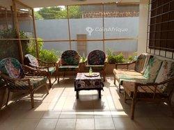 Location villa 9 pièces  -