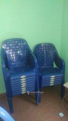 Location de chaises en plastique