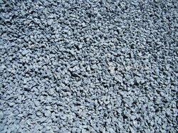 Ciment / gravier / concassé / sable / fer / tôles