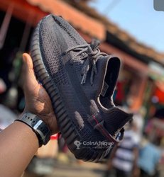 Chaussures Yeezy Boost 350