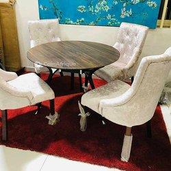 Table à manger - 4 chaises
