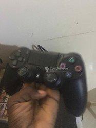 PlayStation 4 - 2 manettes - 2 jeux