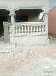 Décoration porte - fenêtre - balustre - poteaux