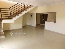 Location villa duplex  8 pièces  - Faya