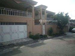 Vente villa duplex 5 pièces - Riviera 3 cité synacassi