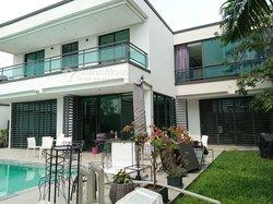 Location villa 7 pièce à Riviera.