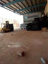 Location entrepôt 1600 m2 - Zone Portuaire Vridi