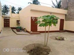 Vente villa 3 pièces - Togo 2000