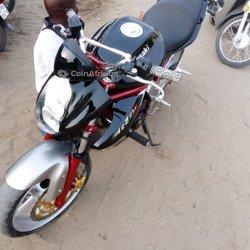 Moto Kawasaki Ninja 2005