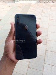 iPhone XS Max - 64 gigas - noir