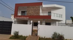 Location villa duplex 5 pièces - Angré