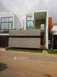 Vente Villa 8 Pièces 625 m² - Attoban