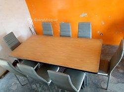 Table avec 8 chaises