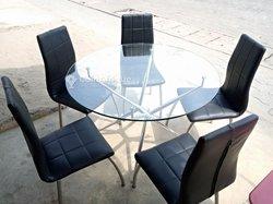Table en verre + 5 chaises