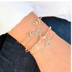 Bijoux - bracelets - boucles d'oreilles - colliers