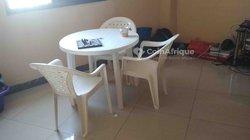 Table de jardin ronde + 3 chaises