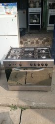 Cuisinière 5 foyers pur inox à gaz