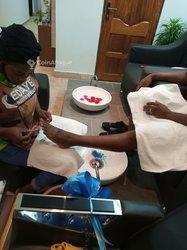 Pédicure - Manucure - Massage - Make-up