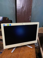 PC Lenovo All In One - core i5