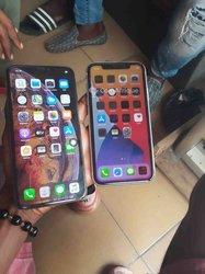 Apple iPhone XS Max - Apple iPhone 11