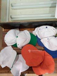 Impression sur t-shirt et casquette