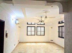 Location appartement 5 pièces  - Agla