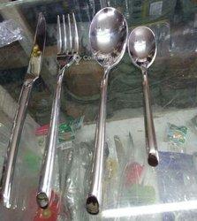 Ensemble cuillère - couteau - fourchette - cuillère à café