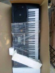 Piano Yamaha E753