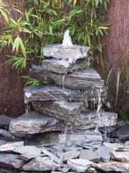 Cascade - jet d'eau - faux arbre - pierres artificielles