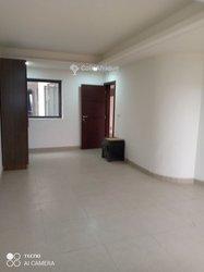 Location appartement 2 pièces  - Zone de camp guezo