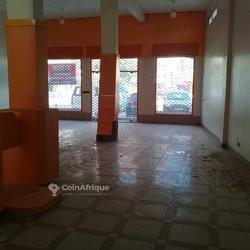 Location bureaux & commerces 300  - Mermoz-sacré coeur