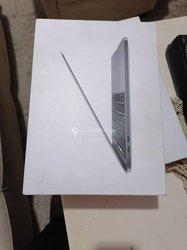 PC MacBook Pro Retina Touch Bar - core i5