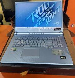 Asus Rog Strix g17 g712lv core i7