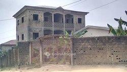 Vente Immeuble - Pk 11 Douala