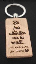 Portes clés en bois personnalisables
