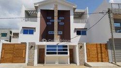 Location  villa avec vue sur la plage à Fidjrossè