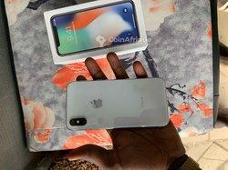 iPhone X - 256go