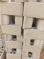 Briques de construction et Ciment