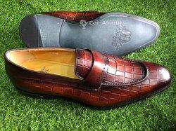 Souliers en cuir