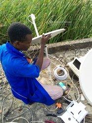 Technicien d'antennes parabolique