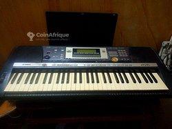 Piano Yamaha PSR 640 + Câble de branchement
