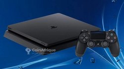 Playstation 4 slim Sony
