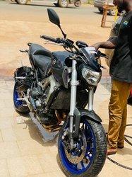 Moto Yamaha MT09 2018