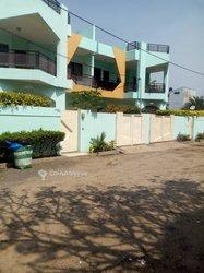 Location villa à 5 pièces  à Fidjrosse plage