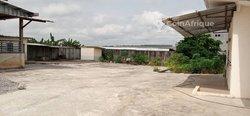 Vente bureaux & commerces 2000  - Yopougon