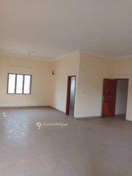 Location appartement à 4 pièces à  Calavi